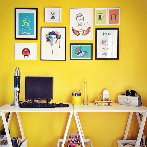 Tendências de Cores 2017: Parece arriscado investir em uma cor tão marcante como o amarelo né? Mas só de olhar, dá uma sensação de alegria! Garantindo ao ambiente a sensação de aconchego. (Inspiração: Paleta Confiante da Behr)