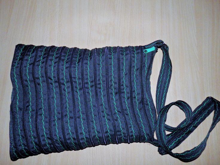 Zipová taška černá