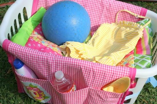 Laundry Basket Liner w/ Pockets ~ great idea for organizing beach stuff, laundry, puppy stuff (blankies & toys)