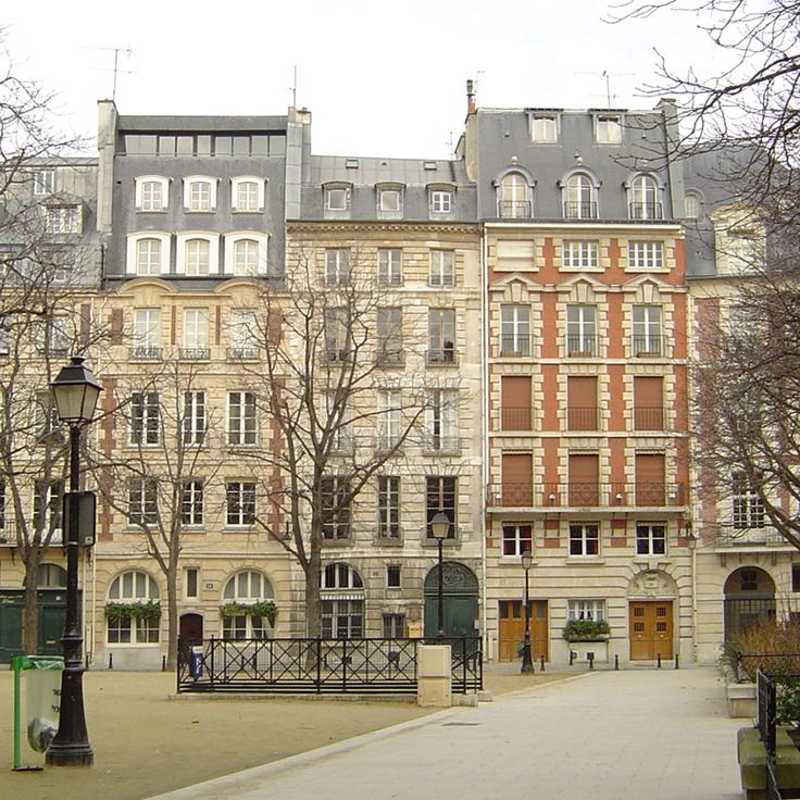 Ile de la Cité, Place Dauphine