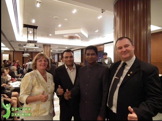 Mr. Sunil Kumar és Mr. Jijjith is megtisztelt minket egy közös fotóval