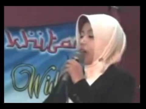 ceramah lucu, ceramah bahasa jawa yang akan disamaikan oleh Ustazah Mumpuni yang merupakan mantan aksi indosiar bulan ramadhan yang sangat lucu yang ada kali...