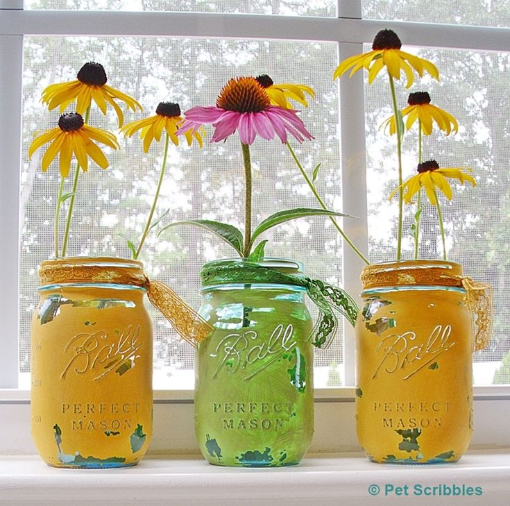 Blue Mason Jar Vases: painted and distressed!   http://www.petscribbles.com/2014/08/blue-mason-jar-vases-painted-and.html