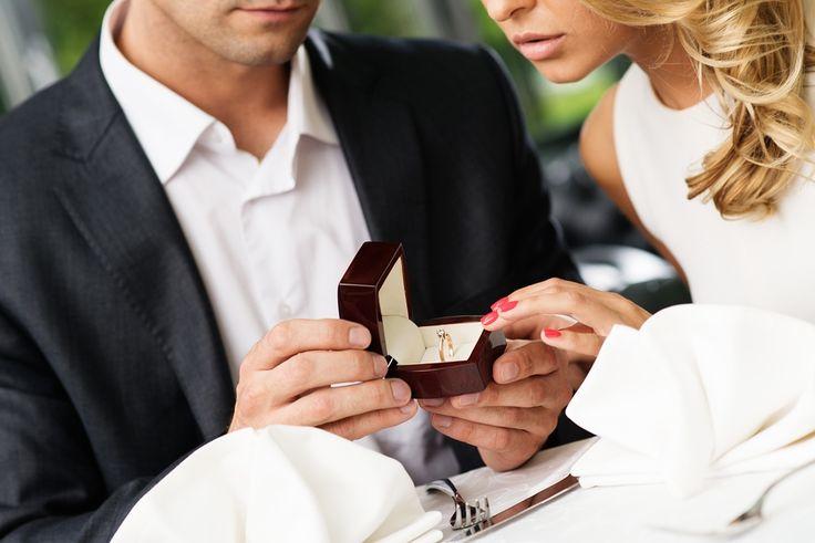 """""""Per noi l'amore è scegliere un sentiero da percorrere fianco a fianco, guardando avanti e lanciando lontano lo sguardo."""" Ecco cosa ci dice Claudia, nella rubrica #matrimonionerd su http://www.stilefemminile.it/si-lo-voglio-ecco-perche-matrimonionerd/"""