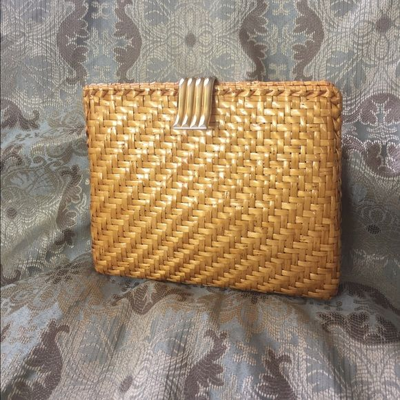 Rodo purse Golden yellow enameled weave handbag by Rodo. Made in Italy. Excellent condition interior and exterior. Gold tone chain can be carried or tucks neatly into the bag. Rodo Bags
