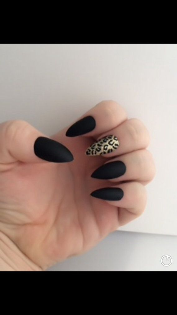 Set di unghie finte opaco Nails Stilleto False di LetThemSparkle