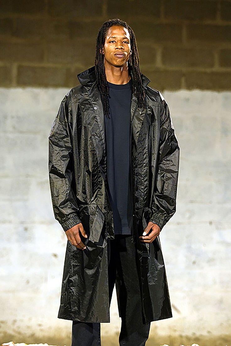 Raf Simons Spring 2003 Menswear Fashion Show in 2020