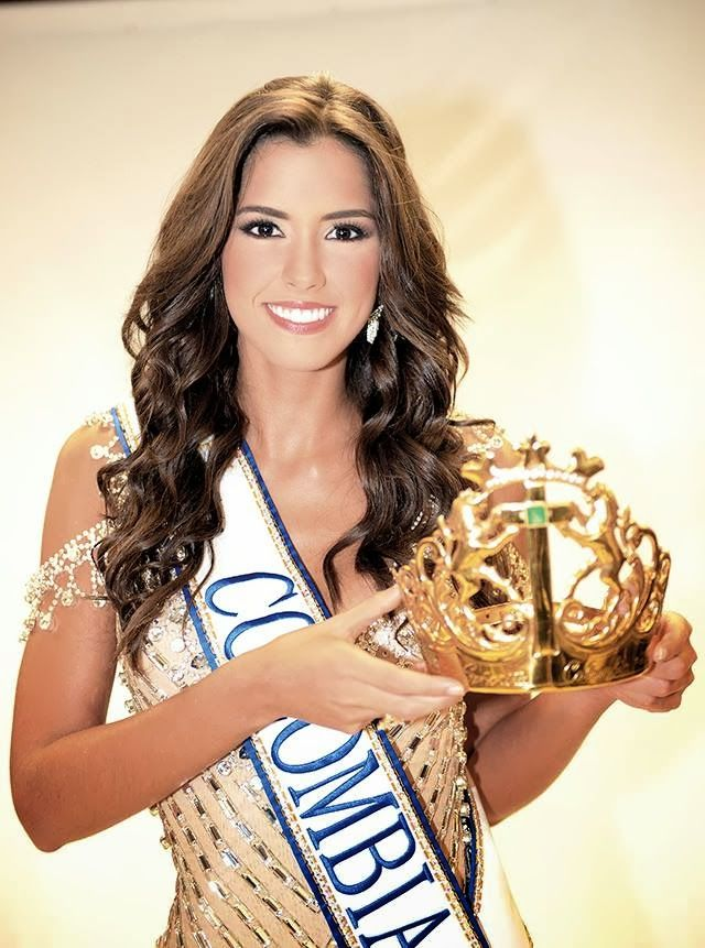 Señorita Colombia 2013- Señorita Atlántico, Paulina Vega Dieppa, 20, 1.77m, from the hometown Barranquilla. She also won the Best Regional Costume.  She will represent her country in Miss Universe 2014