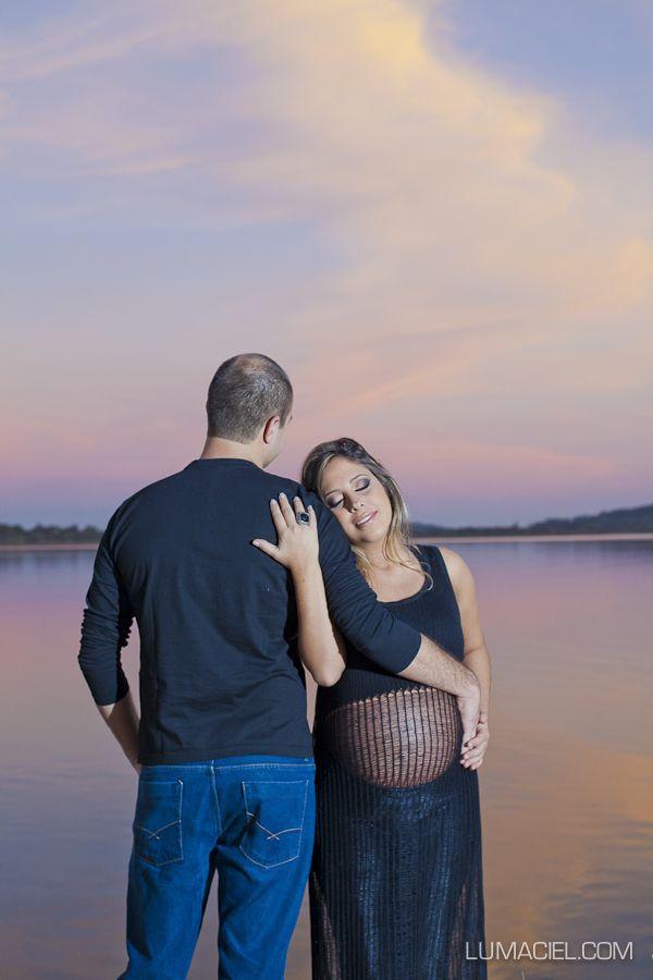 Uma gestante linda, um casal em extrema sintonia, locação fabulosa, dia espetacular e uma fotógrafa cheia de vontade, amor e inspiração no ...