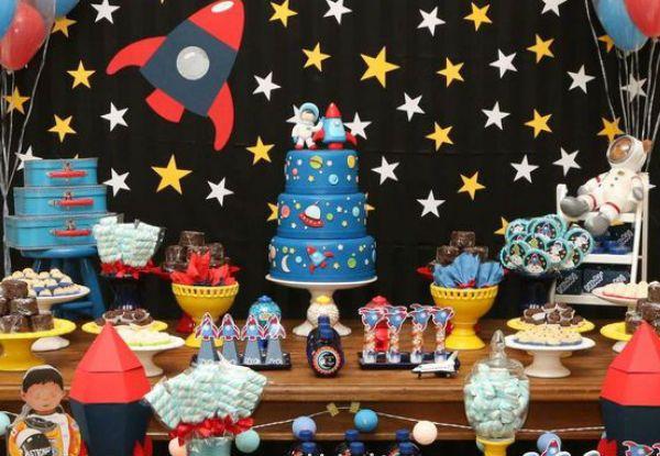 35 ideias incríveis para fazer uma festa de astronauta!