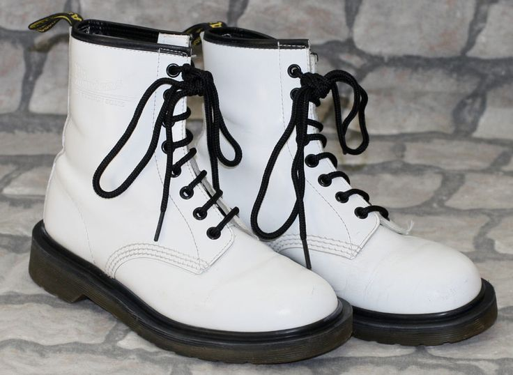 Rare Made in England White Dr Martens Martins 8 Hole Skinhead Boots 4 37