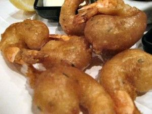 Scampi fritti recept met stap voor stap foto's van beignetbeslag maken, reuzengarnalen frituren tot serveren met scampi looksaus