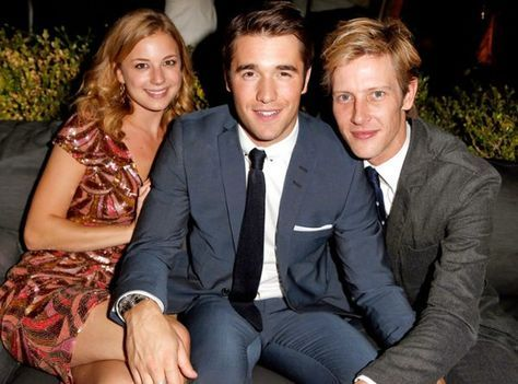 Emily VanCamp, Josh Bowman, Gabriel Mann- obsessed.
