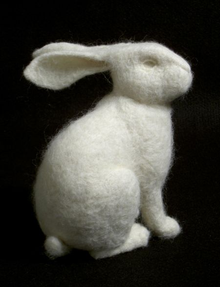 Rabbit by Stephanie Metz: Made of felted wool. #Rabbit #Sculpture #WoolNeedle Felt Rabbit, Felt Wool, Diy Crafts, Felt Bunnies, Stephanie Metz, Crafts Diy, Felted Wool, Bunnies Rabbit, Needlefelt