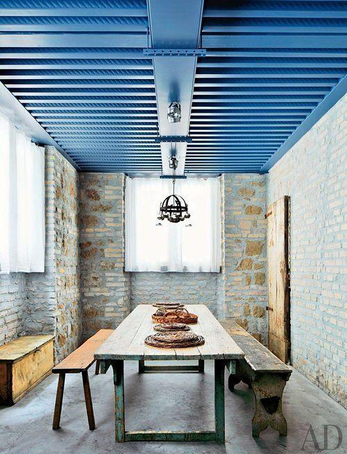 rustic-living-room-axel-vervoordt-rome-italy-201303-2_1000-watermarked