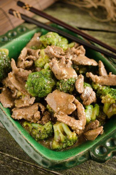 Wołowina smażona z brokułami