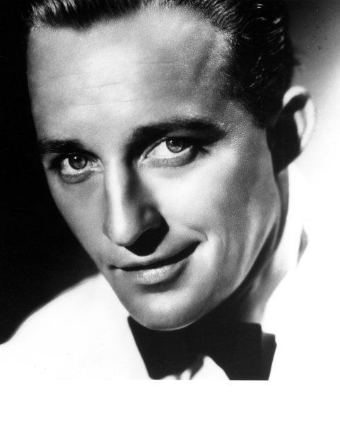 Bing Crosby. Yet another fabulous voice. I had a serious crush on him when I was little...the voice, the ears, even the pipe! He reminded me of my father.