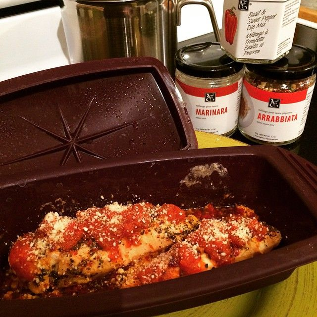 Made Chicken Tomato Parmesan to top our Alfredo pasta last night! I used my Epicure Steamer and the new Basil and Sweet Pepper dip mix to cook the chicken with flavour. While that was going on I made...