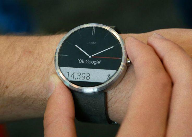 """Smartwatch Motorola Moto 360 Tela 1.5"""" Muito mais tecnologia e praticidade em sua vida! -Design Clássico com material premium -Não perca ligações e notificações -Acompanhe seus passos e batimentos cardíacos -Responde à sua voz -Resistente à água (IP 67)* -Compatível com Android**  http://4macho.com/presente-para-namorado-smartwatch-motorola-moto-360-tela-1-5-4gb-android-wear-preto/"""