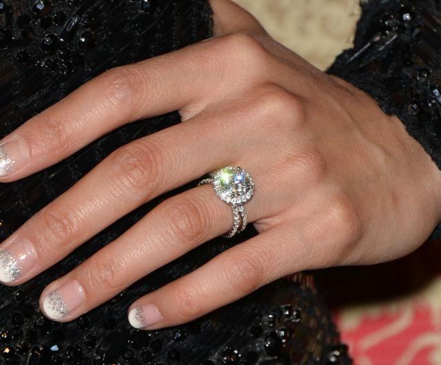 Une french manucure glamour et minimaliste sur le tapis rouge des Golden Globes 2014.