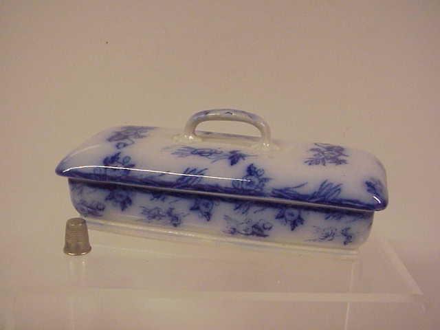 Flow Blue Victorian Razor Box & Cover