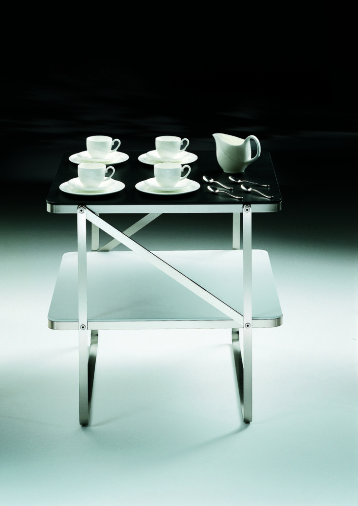 FLEXFORM CARLOTTA small #table, designed by Antonio Citterio.