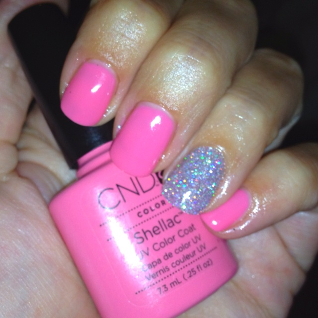 """CND Shellac in """"Gotcha"""" with silver glitter accent nail"""