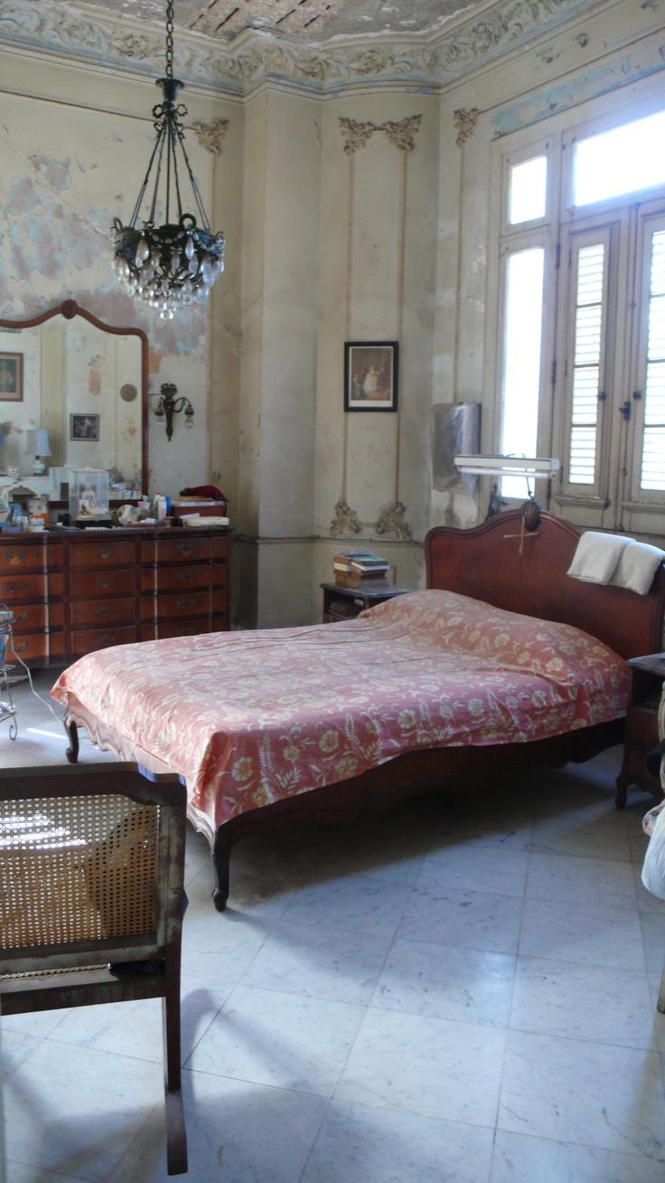 sleeping in Havana
