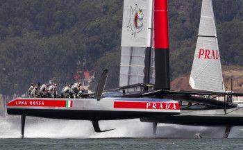 Luna Rossa: settima regata delle finali della Louis Vuitton Cup contro Emirates Team New Zealand | BLU