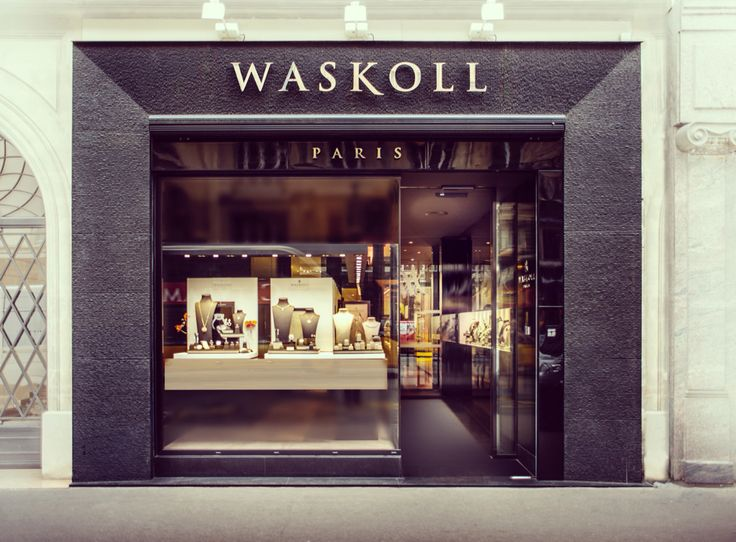 Here is a picture of our shop in rue de la Paix in Paris! The Waskoll team will be pleased to welcome you anytime ! #waskoll #paris #team #shop