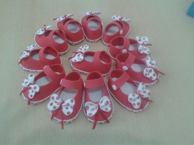 zapatito goma eva #souvenirs #babyshowhers nena #girl