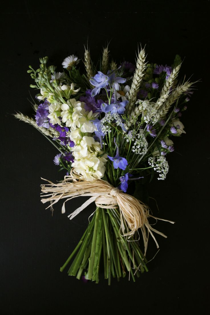 Simply tied with raffia, lovely country varieties.