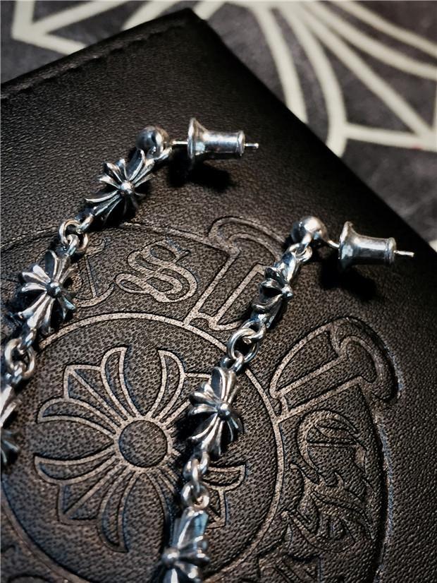 chrome hearts Quan Zhilong Gd with ear ring earrings Crowley Heart Cross Earrings no pierced ear clip titanium lettering frome chromeheartssale.org