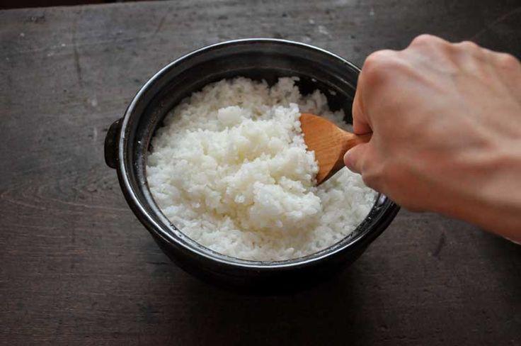 土鍋で炊いたご飯の写真