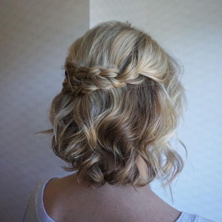 Short hair can be fun too! Bridesmaid hair from today's wedding