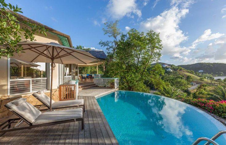 2 slaapkamers – Geniet van uw Caribische vakantie in deze romantische villa op Antigua, op korte loopafstand van het strand van Galley Bay, en in de buurt van andere mooie stranden. VILLA OVERZICHT Luxe vakantie villa voor kleine gezinnen of koppels in vakantie in Antigua. Een prachtige twee slaapkamers villa, met een open woonkamer, eetkamer…