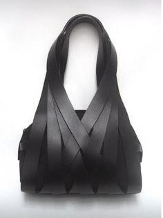 Beautiful shape hand bag