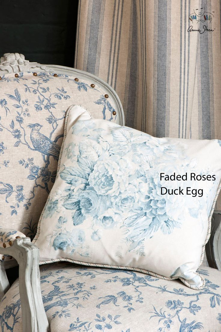 Faded Rose Duck Egg Blue breed 140 cm 100% Katoen Patroonherhaling 65 cm Bijpassende kleuren Old White, Paris Grey en Aubusson Blue