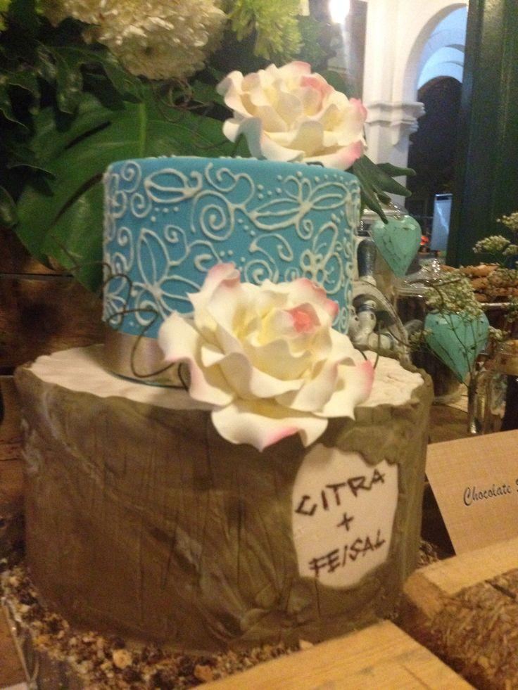Weddingcake#rustic#weddingparty#sweettable#desserttable#raetable