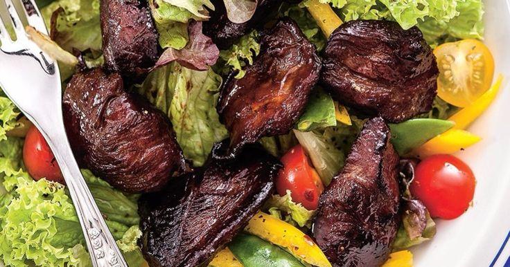 Medové kačacie prsia - dôkladná príprava krok za krokom. Recept patrí medzi tie najobľúbenejšie. Celý postup nájdete na online kuchárke RECEPTY.sk.