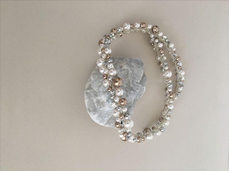 Selia Pearl in silver nude