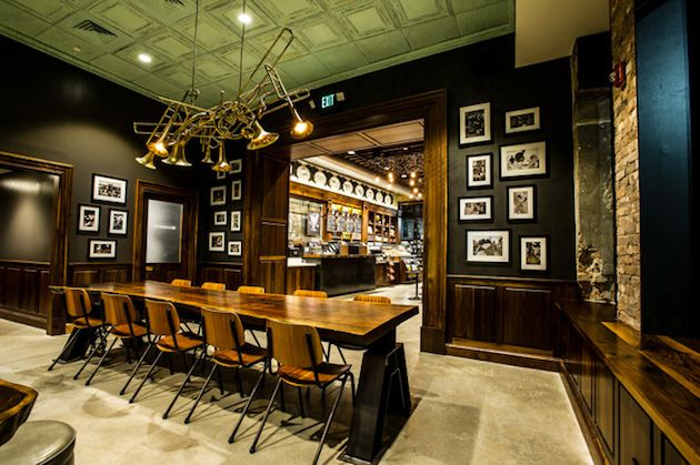 Vintage Inspired Of Starbucks Store In New Orleans Becomes Home To Local Art Architecture Meso