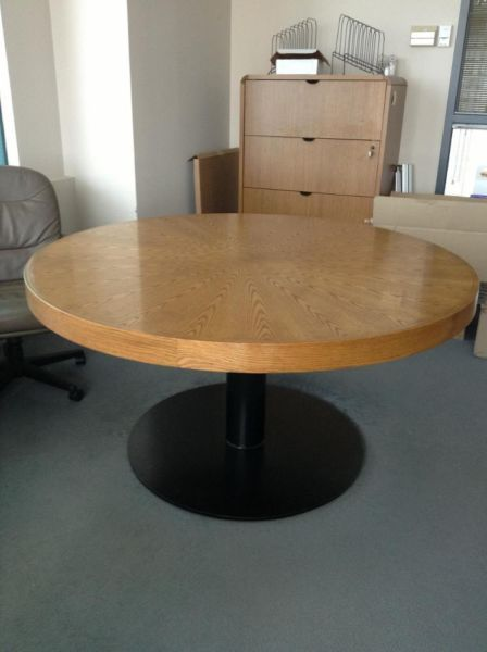 93 best images about ronde tafel on pinterest - Petite table ronde ikea ...