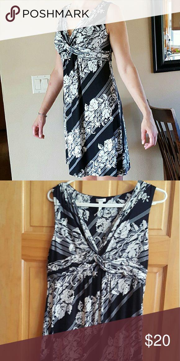 Soma empire waist dress size medium Cute black and white empire waist dress Soma Dresses