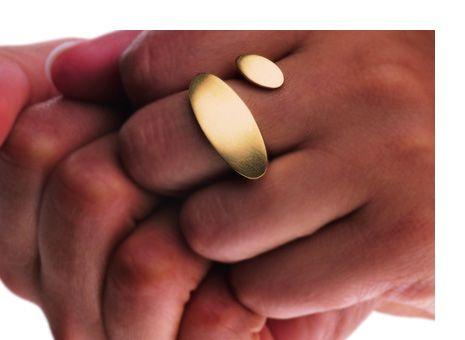 Ring «Zweierlei» by Angela Hübel