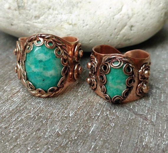 A pair of matching copper rings with amazonite, check my Etsy shop: https://www.etsy.com/nl/listing/559312426/massief-koperen-ringen-een-paar-ringen