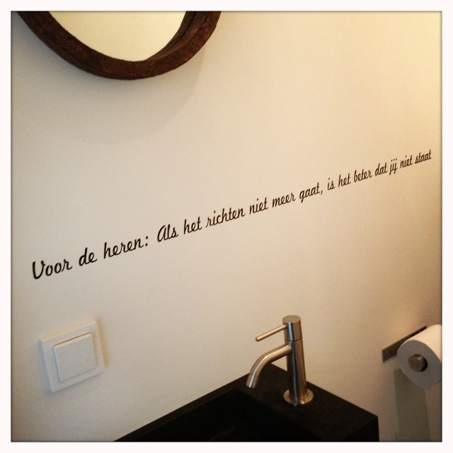 Leuke tekst op de muur van de wc muur teksten pinterest toilet - Kleuren muur toilet ...