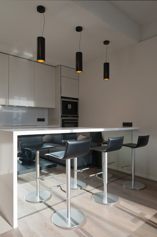 Modern Apartment In Moscow With An Ingenious Glass Wall