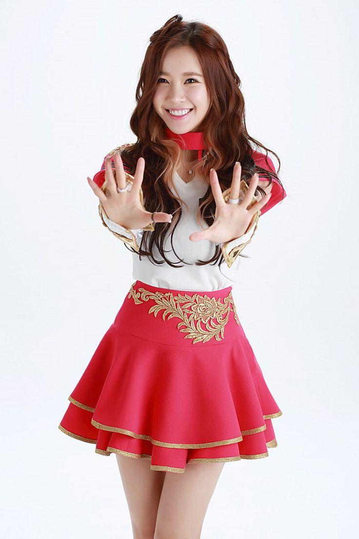 CRAYON POP - Ellin 엘린 (Kim MinYoung 김민영)