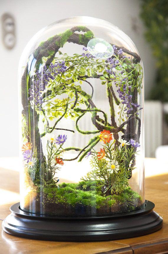 Forest terrarium van kunstplanten kabinet van